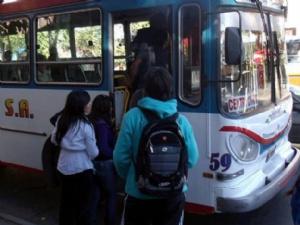 Aumentan subsidios a tarifas de transporte público en el interior del país y el uso de la SUBE