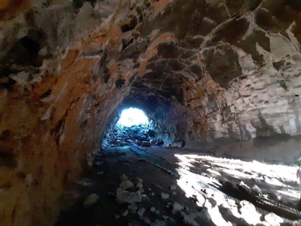 Undara-Cave2
