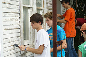 Local Churches Lend a Hand Through Project Sweat