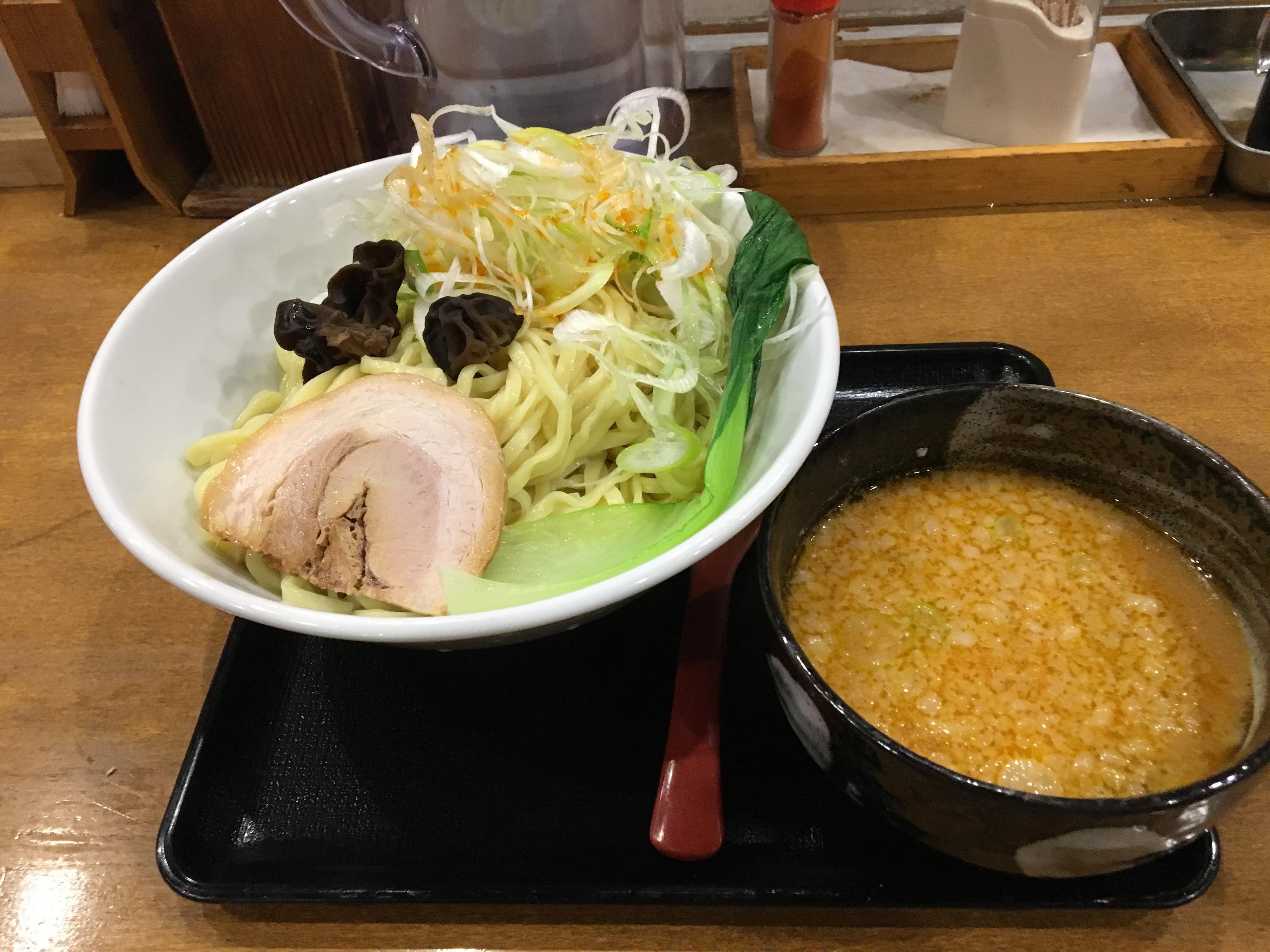 ラーメン食べて、はい元気です!らぅ麺ガラ喰楽学校