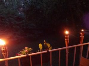 Gartenfackeln auf dem Balkon