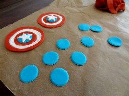 Massenproduktion der Deko-Teile für das Captain America Schild...