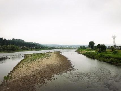 魚野川と破間川の合流