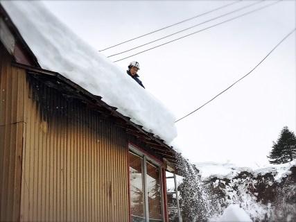 屋根の雪下ろしで一安心!ふるさと見張り番で魚沼地域の空き家を見守る三友組