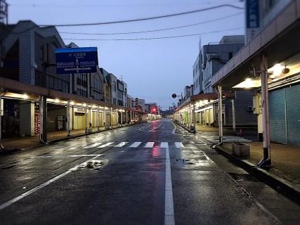 魚沼市本町通りから撮影。雨模様ですね