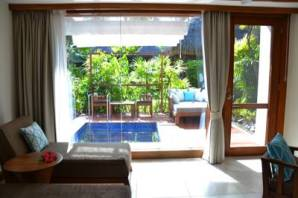 Honeymoon Suite - Private Whirlpool and porch area