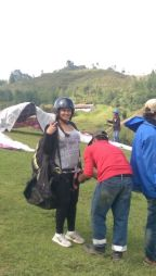 Akshita preparing for paragliding