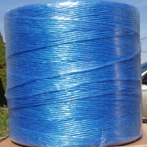 POLY-CTBLUE: 1250' BLUE POLY CHRISTMAS TREE TWINE