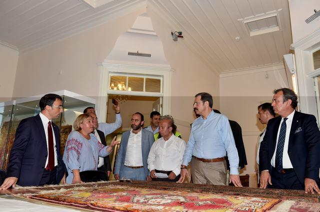 TOBB Başkanı Hisarcıklıoğlu Milas ziyareti sırasında Hekatomnos'a da gitti.  HİSARCIKLIOĞLU HEKATOMNOS'U ZİYARET ETTİ.