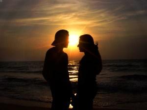 stockvault-sunset-lovers101209
