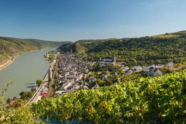 Blick auf Oberwesel und den Hafen. Foto: Rheinland-Pfalz-Touristik / Dominik Ketz.