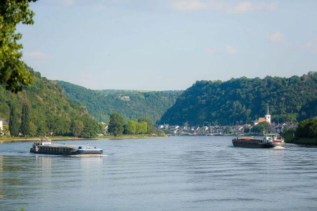 Schiffe bei St. Goar. Foto: Romantischer Rhein Tourismus / Henry Tornow
