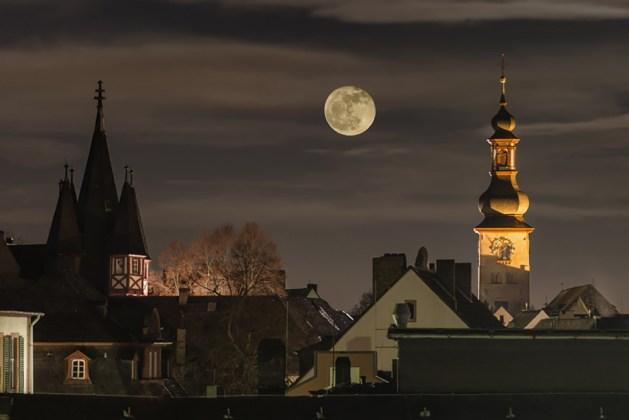 Rüdesheim bei Nacht. Foto: Rüdesheim Tourismus / Marlis Steinmetz