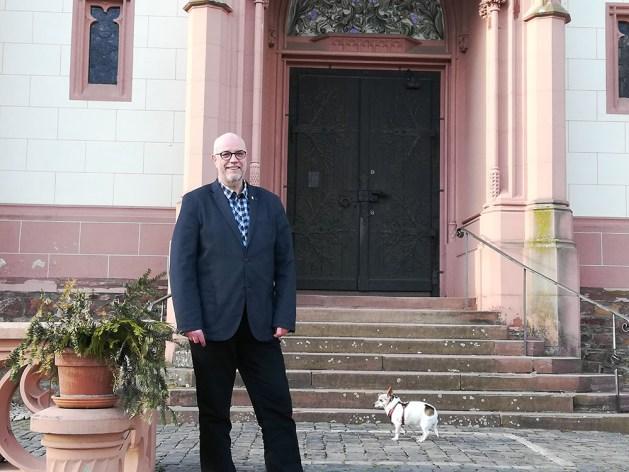 Michael Stein vor der Binger Rochuskapelle. Foto: CDU Bingen