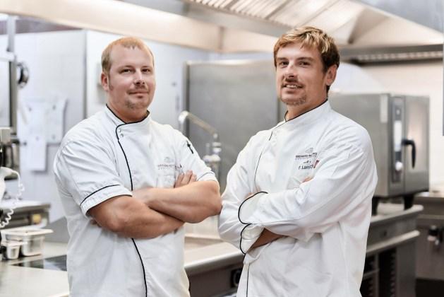 Florian Lambrich (r.) betreibt das Weinbergschlösschen gemeinsam mit seinem Bruder Marc.