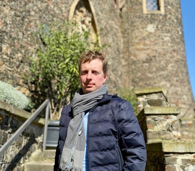 """Marco Hecher ist Juniorchef auf Burg Rheinstein und betreibt dort das Schlosslokal """"Kleiner Weinprinz"""". Foto: Privat."""