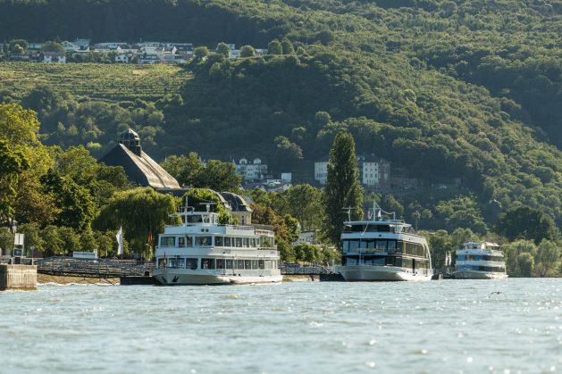 Ausflugsschiffe am Binger Rheinufer. Foto: Stadt Bingen / Dominik Ketz