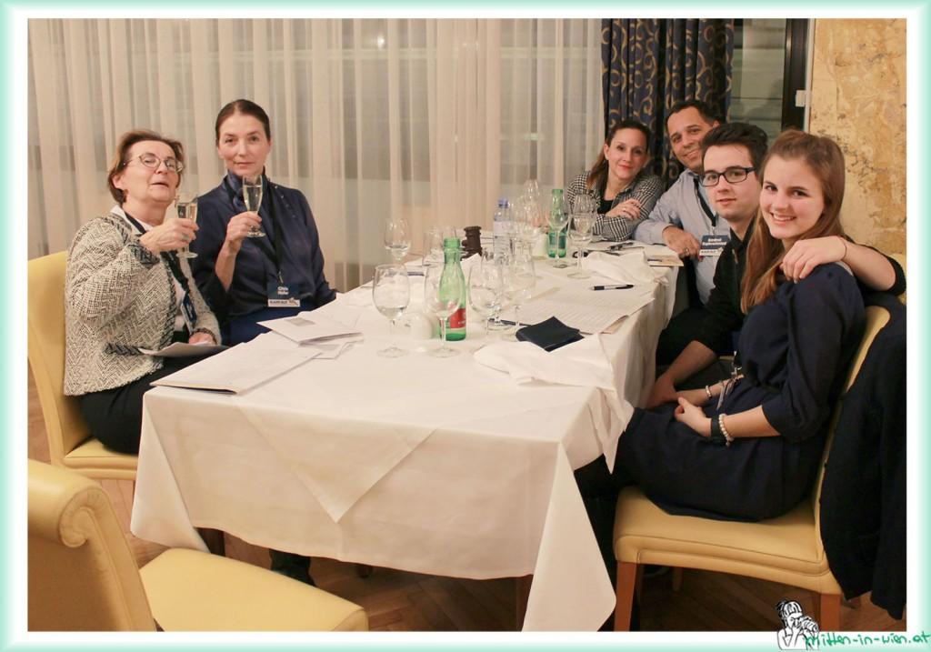 V.l.n.r. Uli Wucher, Chris Hofer, Susanne Schatzberger, Kardinal Kupferschmied, Johann Windisch und Lilith Marlene