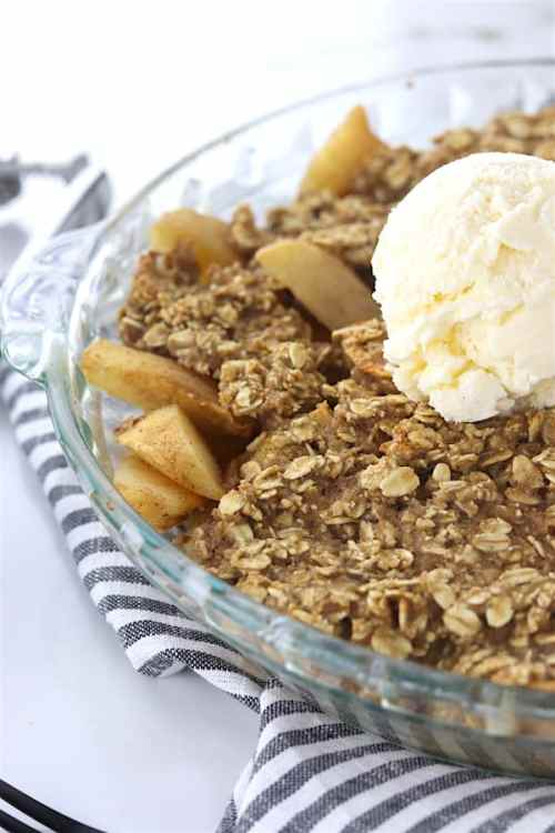 low sugar oatmeal apple crisp 2
