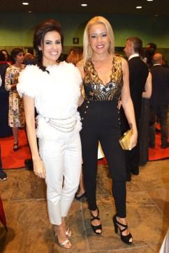 Diana Nogueira eligió un total white look