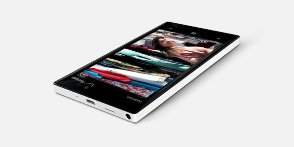 Nokia Lumia 928 [3]