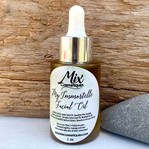 """Rich results on Google's SERP when searching for """"facial oil"""" 1 ounce bottle facial oil with rosehip oil cranberry seed oil jojoba oil camellia oil squalane and hemp oil,"""