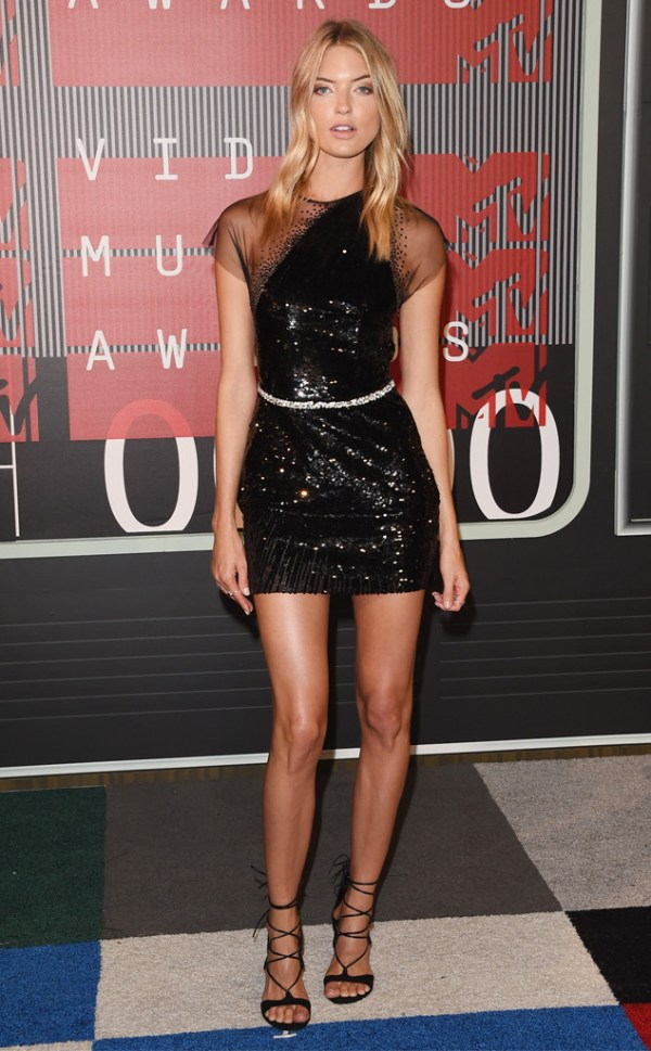 look martha hunt vma 2015
