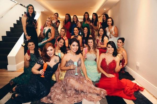 Editorial de Natal Blog Together com vestidos de festa