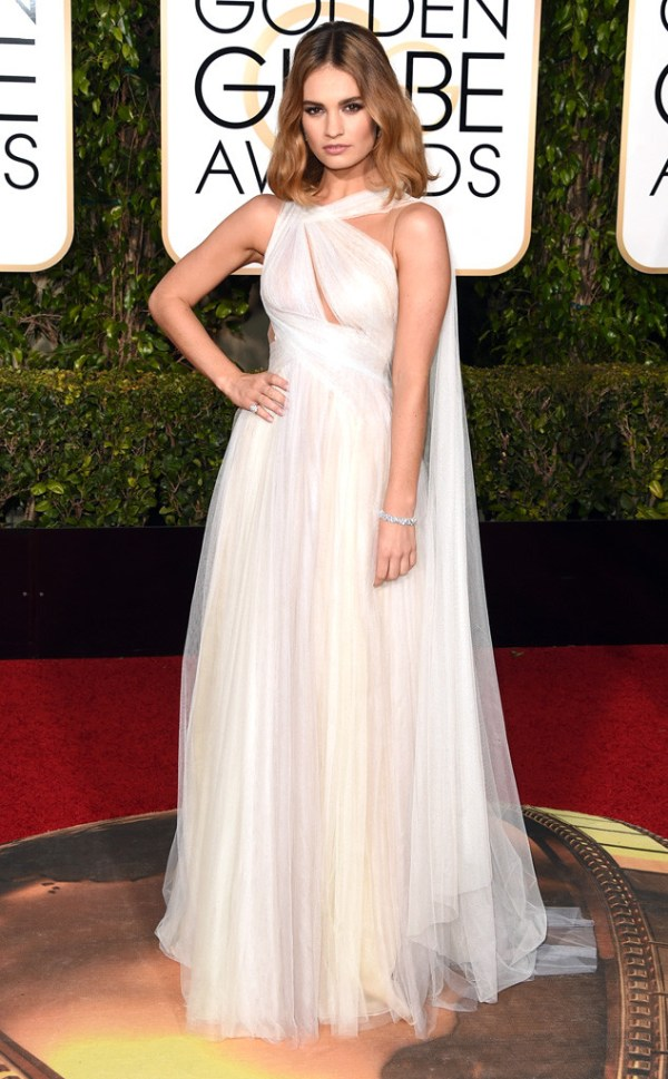look golden globe awards 2016 Lily James