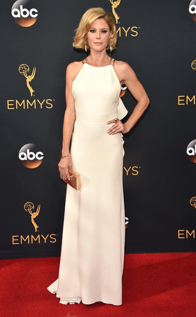 emmy-2016-look-julie-bowen