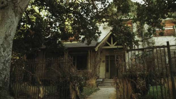 The Haunted House. Imagem: Pretty Little Liars Wikia.