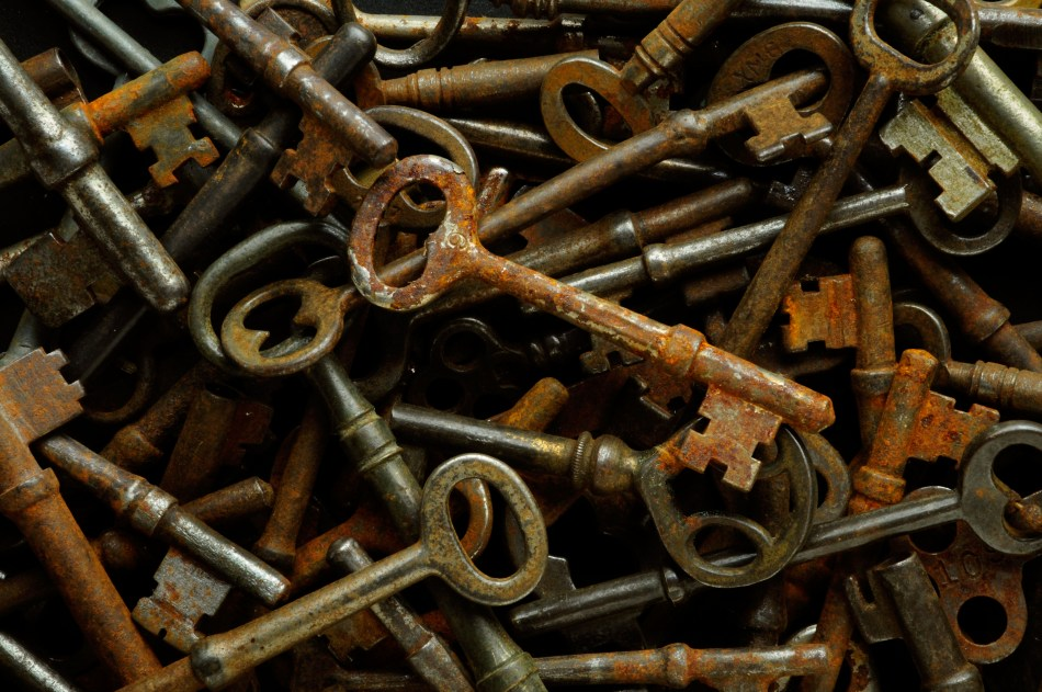 Pile of old rusty disused and abandoned skeleton keys