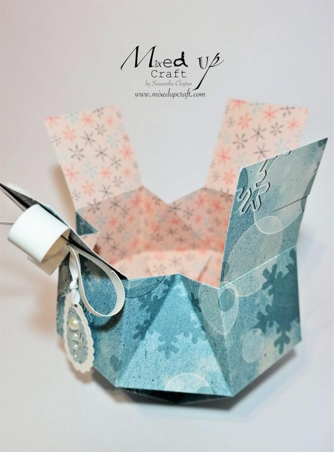 Squashed Orb Gift Box