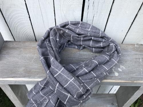 Grijze sjaal met ruit