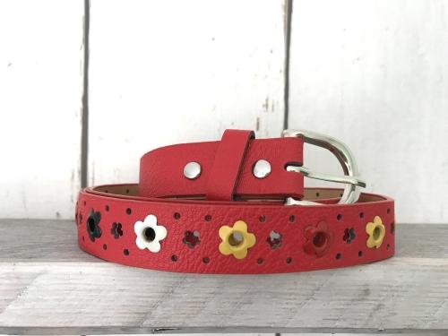 Rode riem met bloemetjes
