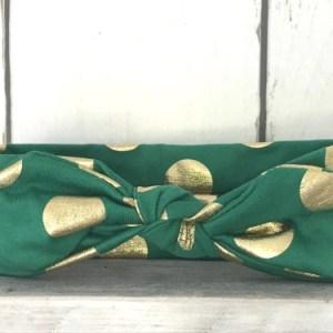 Groen haarbandje met gouden stippen