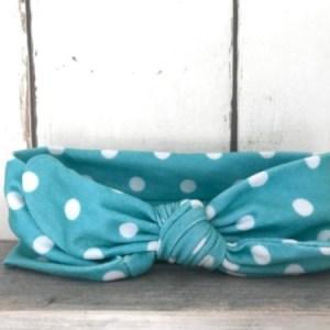 Blauw haarbandje met stippen