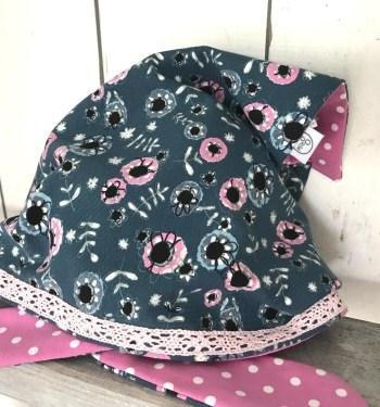 Blauwe bandana met bloemen