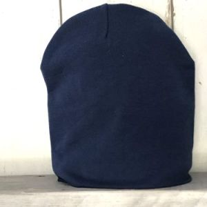 Jeansblauw mutsje