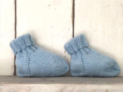 Lichtblauwe babyslofjes