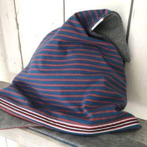 Stoere jeansblauwe bandana met rode strepen