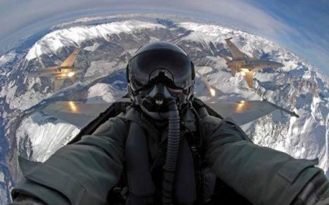 a98889_extreme-selfie_5-pilot