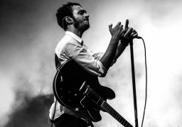 Editors live at Victorious Festival 2016