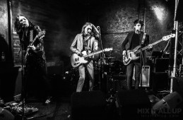 Latenight Honeymoon supporting The White Lakes at the Edge of the Wedge, Portsmouth, March 2019   Mix It All Up