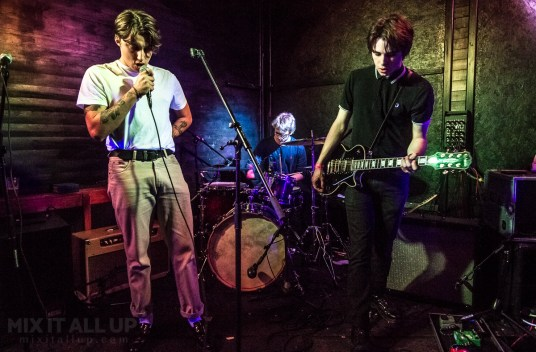 The Stone Birds live at Hot Vox Isle of Wight New Blood Competition, Quarter Finals - 14/03/2019 | Mix It All Up