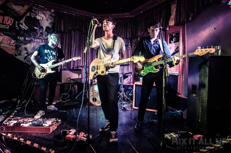 Drool supporting Floodhounds live at The Loft, Portsmouth - 27/07/19