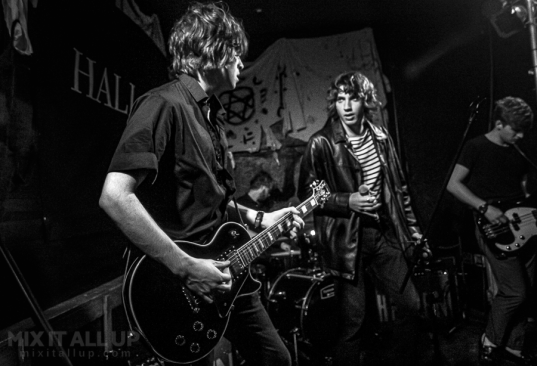 The Stone Birds supporting Hallan at Hallanween at the Edge of the Wedge, Portsmouth - 29/10/19
