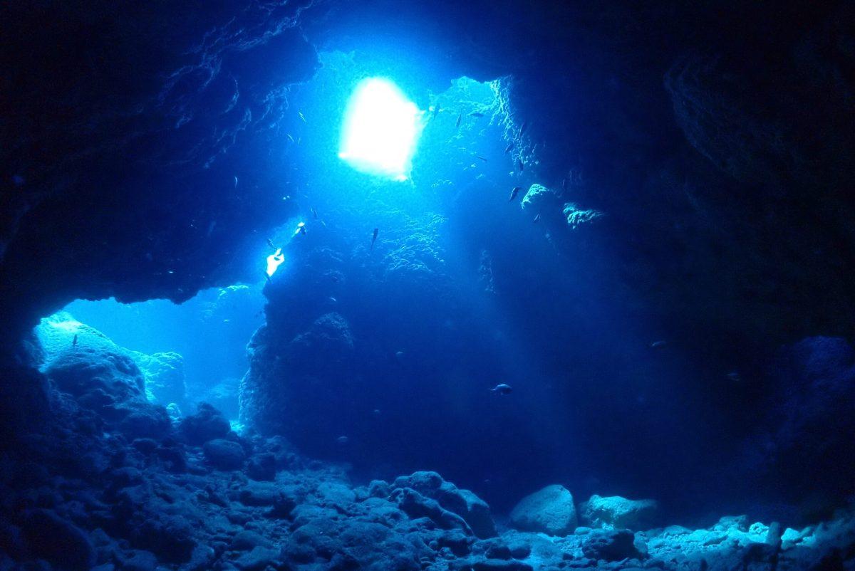 光がキレイ・地形が映える・下地でファンダイビング
