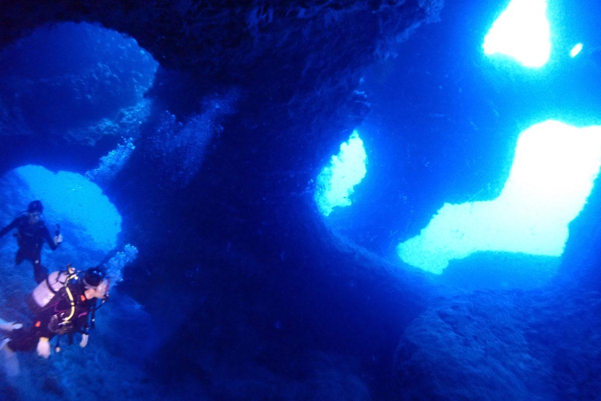 下地で地形攻めダイビング