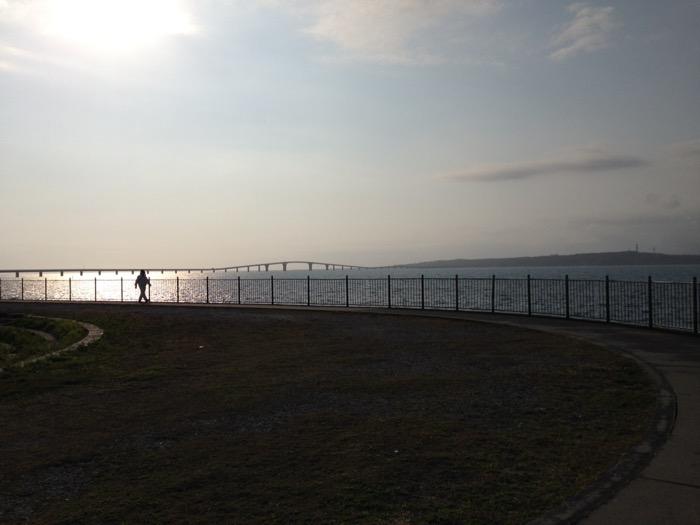 伊良部大橋と夕日